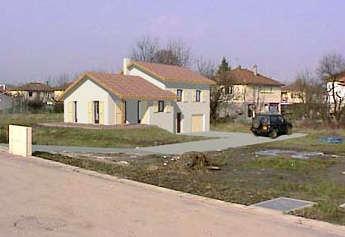 insertion du projet de construction par rapport aux constructions avoisinantes et aux paysages